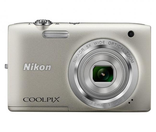 Nikon Coolpix S2800 20.1MP Point & Shoot Digital Camera (Silver)
