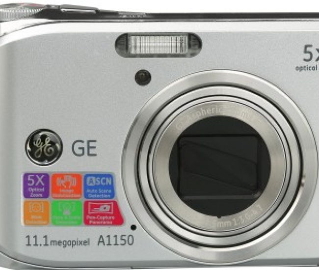GE Digital A1150 11 Megapixel with 5X Optical Zoom, 2.5 inch LCD Point & Shoot Camera