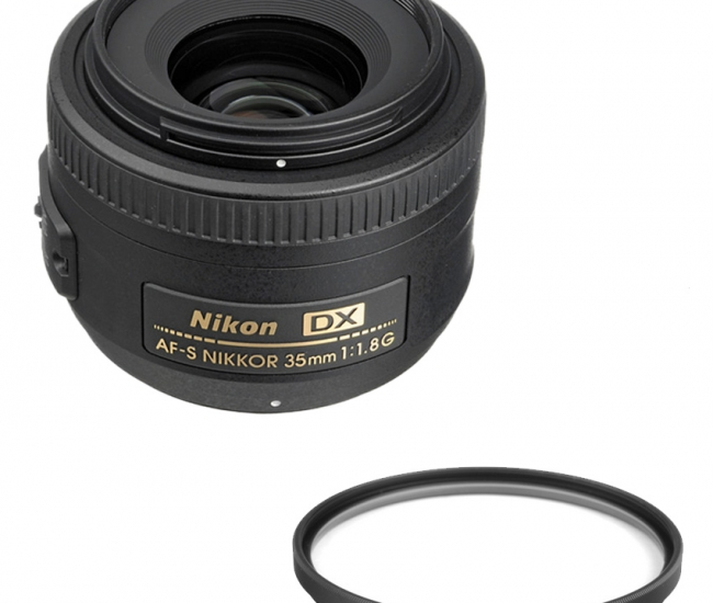 Nikon 35 mm f/ 1.8 G AF-S DX Lens (DX Format) + Hoya 52mm UV Lens Filter Combo