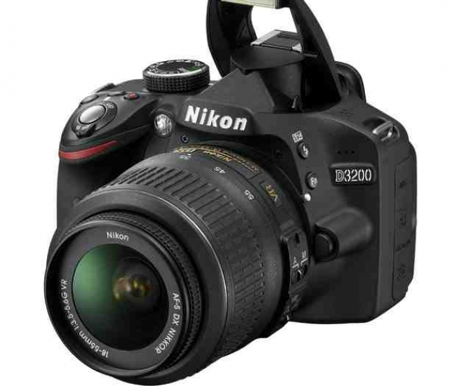 Nikon D3200 With 18-55mm Lens + 55-200mm Lens Combo