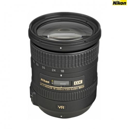 Nikon 18-200 mm VR II f/3.5-5.6G  ED AF-S DX Lens (DX Format)